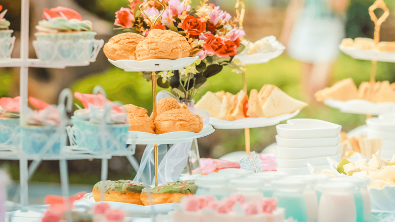 Catering Supplies for Outdoor Weddings-2